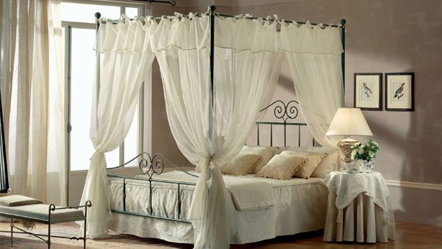 Спални като от приказките - легла с балдахин