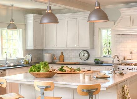 Дизайни на кухни в бяло
