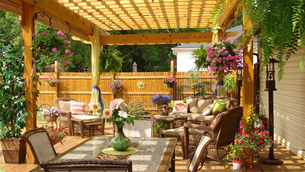 Tropical Deck Decorating Ideas