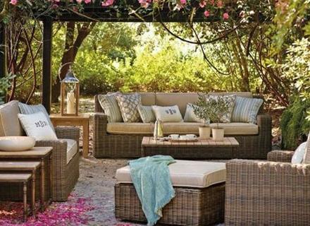 Плетени мебели за градината