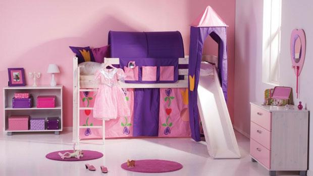 Легла с пързалка за истинска забава в детската стая