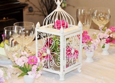 Идеи за пролетна украса за масата