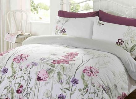 Спално бельо за цветни сънища