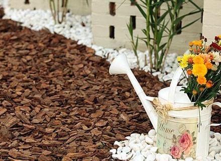 Свеж градински декор в бяло