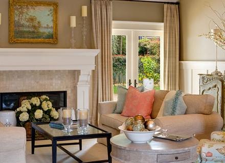 Романтичен интериор в пастелни цветове