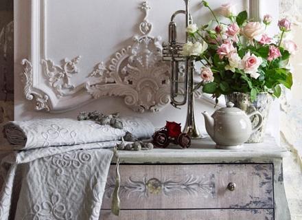 Шаби шик мебели освежават декора