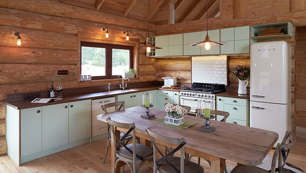 Уютни тавански кухни