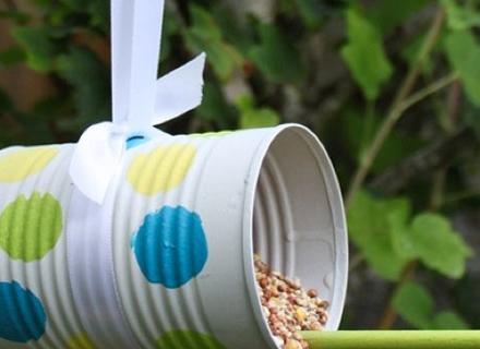 Хранилки за птици в градината