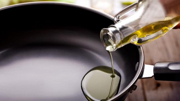 Вредни ли са наистина тефлоновите съдове за готвене