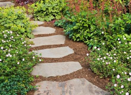 Очарованието на градинските пътечки
