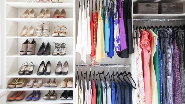 Как да се справим с влагата и мухъла в гардероба