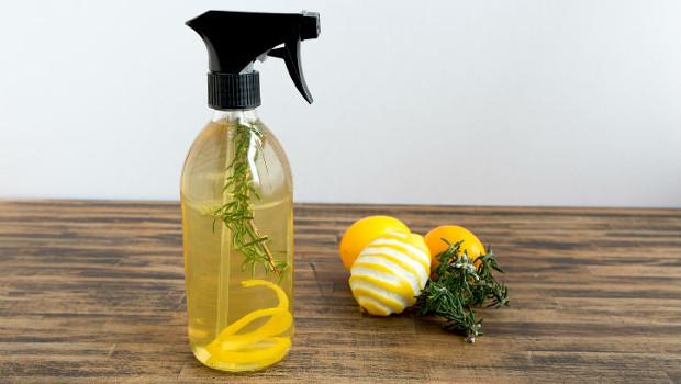 Мултифункционален спрей за почистване с природни съставки