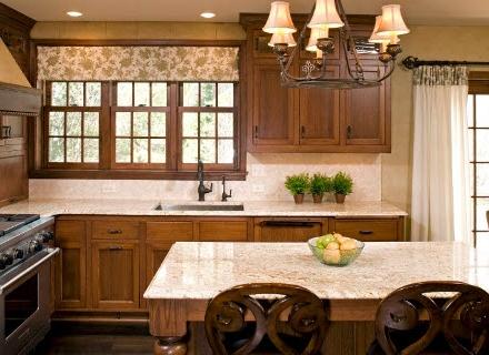 Идеи за завеси в кухнята