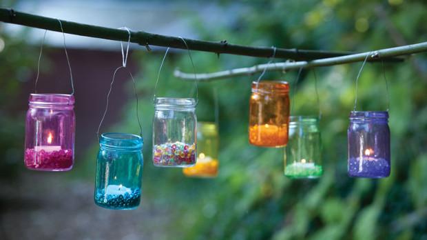 Градински декорации с буркани
