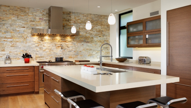 Как да използваме декоративния камък в интериора на кухнята