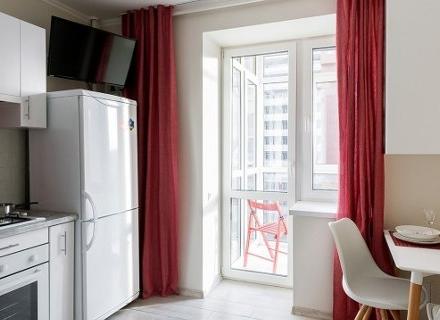 Малко и функционално жилище в смели цветове
