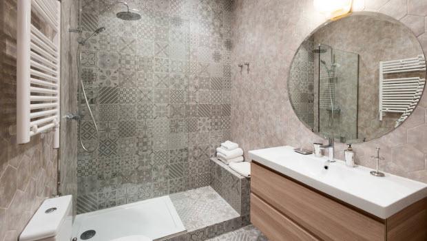 Идеи за декорация на стените в банята