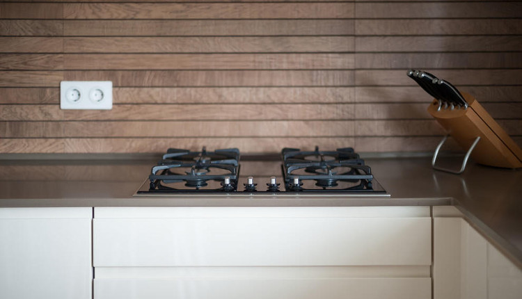 Какъв материал да изберем за кухненския плот
