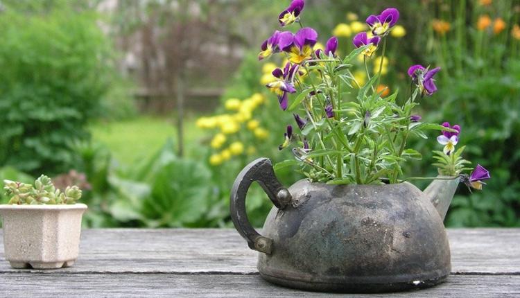 Нов живот за старите вещи в градината