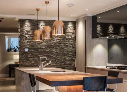 Стилни съвременни кухни в сиво