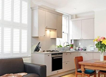 Актуални идеи за кухня, съчетана с трапезария и дневна