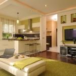 Двуетажна къща с практичен и свеж интериор