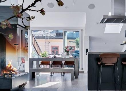 Модерна мансарда с прекрасна тераса