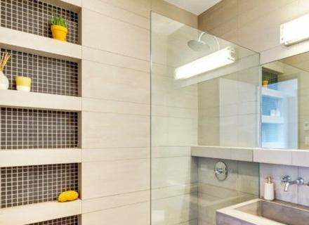 С какво да облицоваме стените в банята