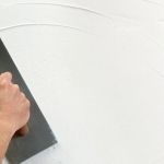 Как да шпакловаме стените - стъпка по стъпка