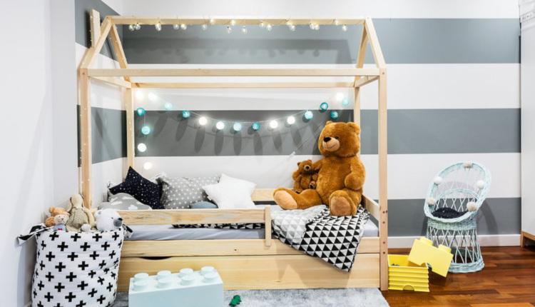 Приказни детски легла във формата на къща