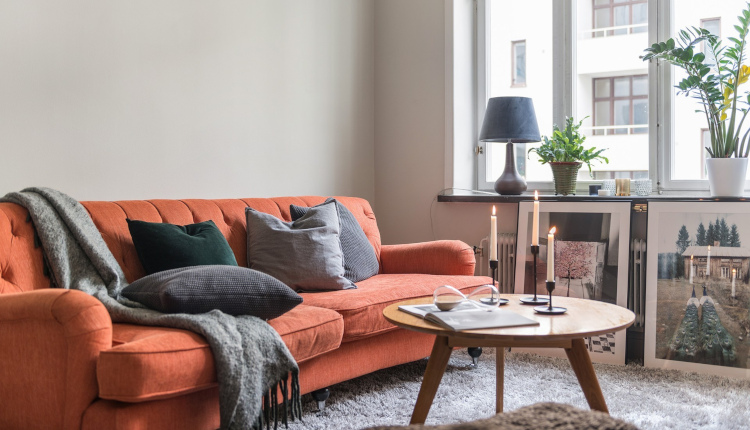 Интериор на жилище 40 кв.м. в скандинавски стил с цветни акценти