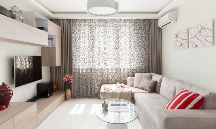 Бежовият диван в интериора