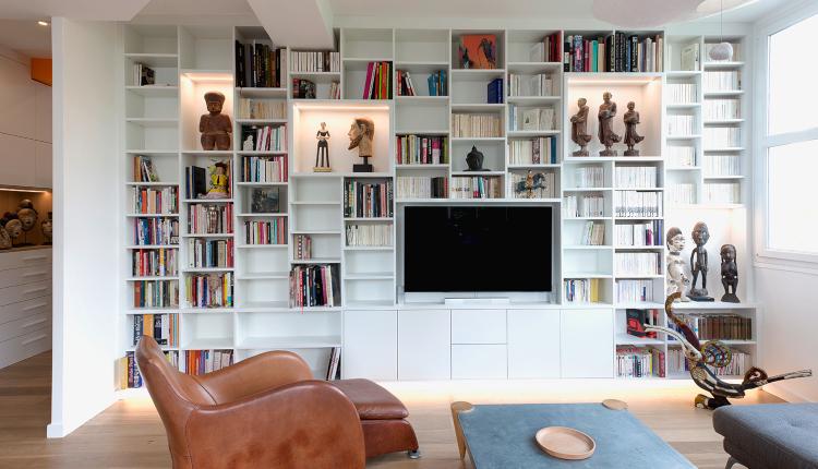 Книгите създават уют в дома