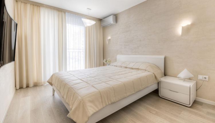 Спалня в бежово - уют и хармония