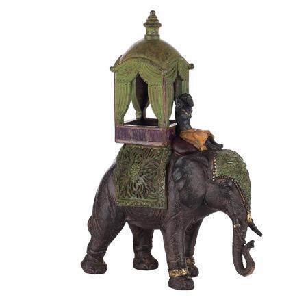 Слон с балдахин