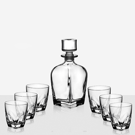 Чаши за уиски и бутилка Diamante