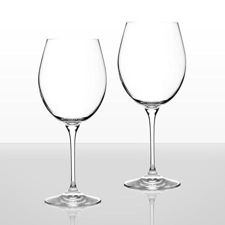 Invino 2 чаши червено вино