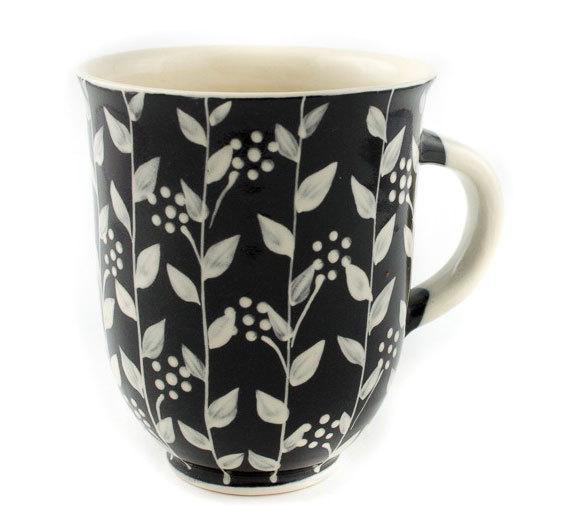 """Голяма керамична чаша """"Черно и бяло"""""""