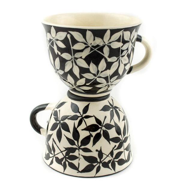 """Комплект малки керамични чаши """"Черно и бяло"""""""